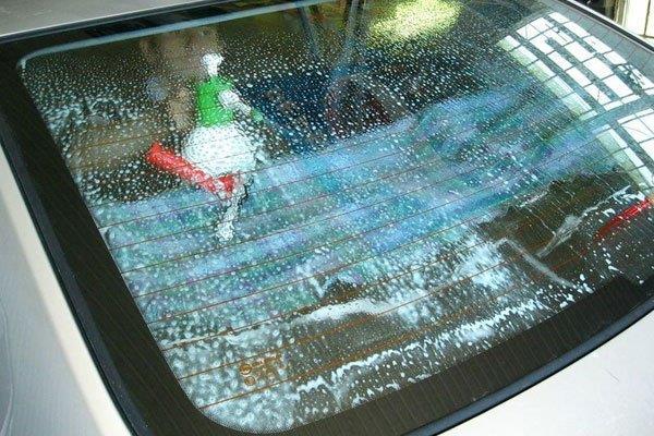 Мойка стекла перед тонировкой