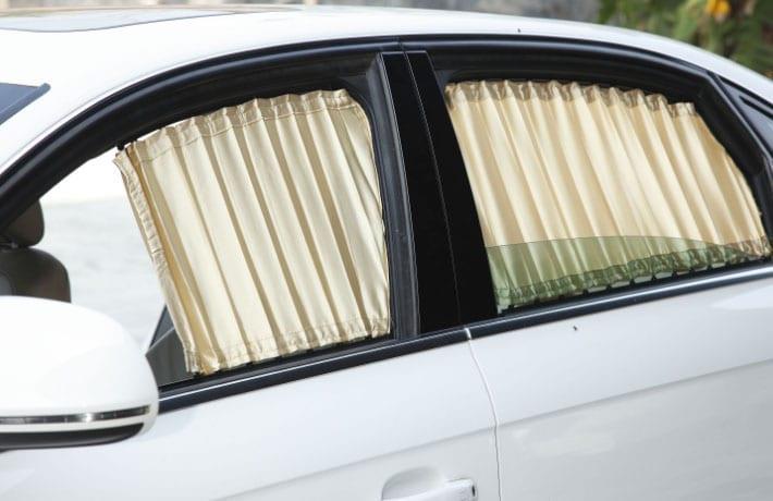 шторки на окна белого автомобиля