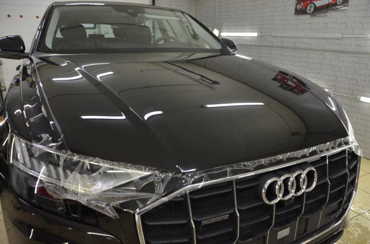 Антигравийная полиуретановая пленка Llumar PPF – оклейка Audi Q8 в детейлинге Dreams Auto