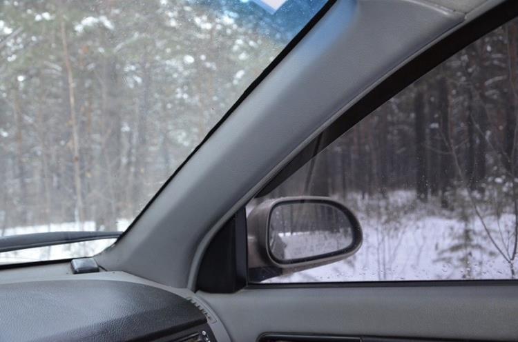 Автомобильное стекло с тонировкой