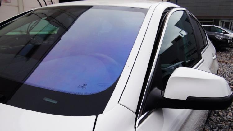 Пленка хамелеон на стекла авто