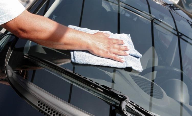 Перед нанесением пленки стекла тщательно моют