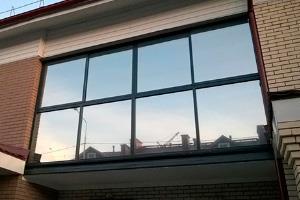 пленка односторонняя видимость, купить пленку с односторонне видимостью, зеркальная пленка на окна чтобы было не видно