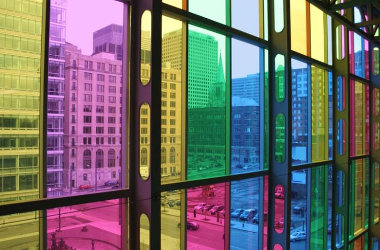 Особенности нанесения солнцезащитной пленки на окна